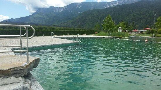 Piscina naturale di gargazzone foto di piscina naturale for Piscina naturale