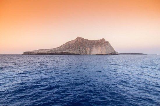 Socorro Island: Isla Socorro in der Abenddämmerung