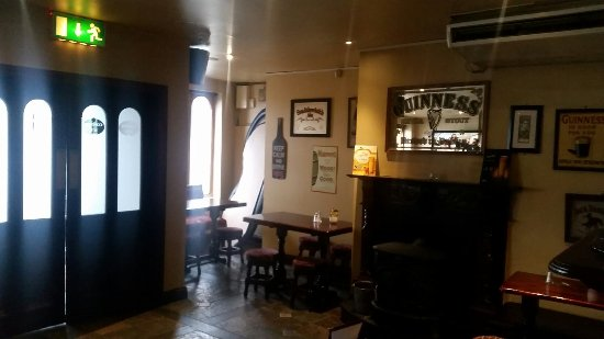 Rathmore, Ireland: Connie K's Bar & Restaurant