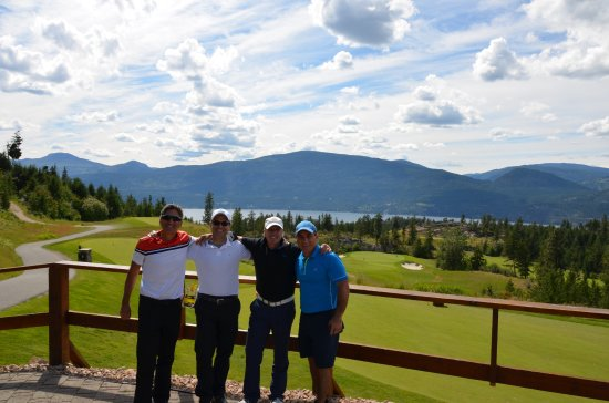 Vernon, Canadá: overlooking great par 3 and the lake