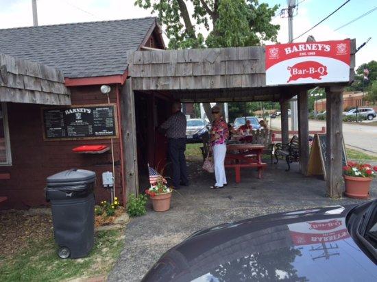 Barney's BBQ, Ellisville, MO