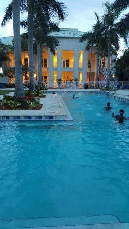 Provident Doral at The Blue Miami: Pool area/Big and nice