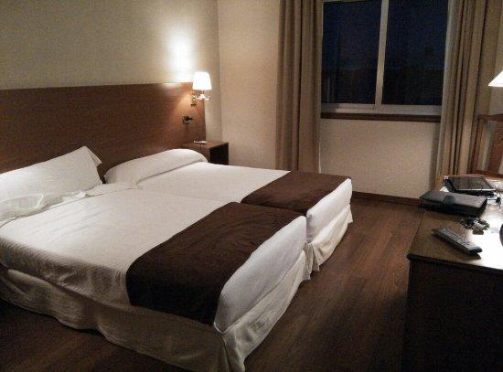 Hotel Oca Ipanema: TA_IMG_20160622_223121_large.jpg