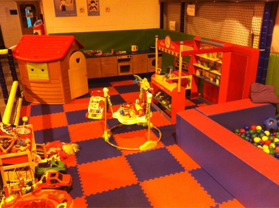Radcliffe, UK: Funtastic Play Centre