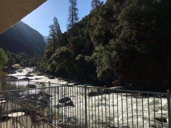 Yosemite View Lodge: River View