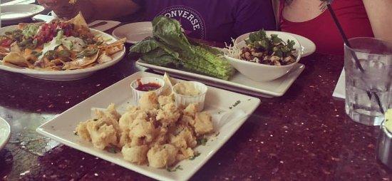 Nexxt Cafe : Calamares y Nachos