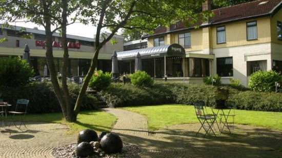 Appelscha, Holandia: Voorkant hotel