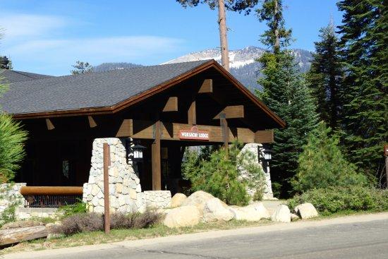Wuksachi Lodge: The main Lodge.