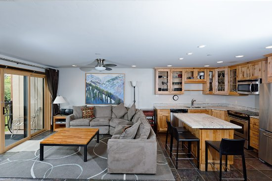 The Crestwood Condominiums: Premier Rated Living Room