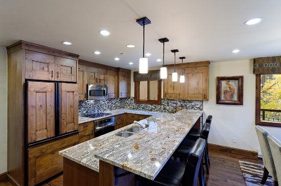 The Crestwood Condominiums: Premier Rated Kitchen