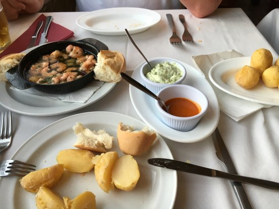 Restaurant Fernando : A beautiful little gem of a restaurant. Food fabulous freshly cooked no request too much trouble