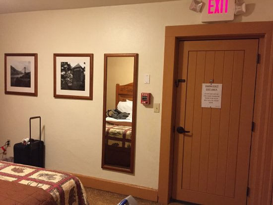 Bear Mountain Inn: photo1.jpg