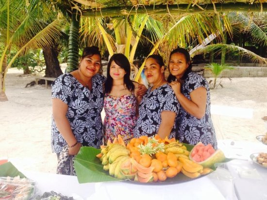 Foui, Tonga: Staff with one of our wonderful guests