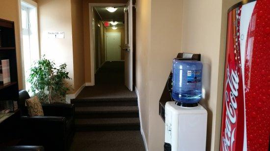Hotel Squamish: Acesso aos apartamentos do primeiro andar.