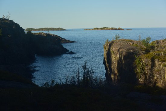 Scoville Point: View on the way to the point