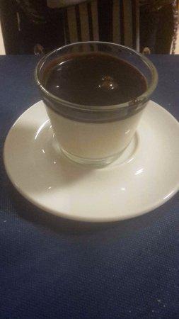 Cuvio, Italia: Panna cotta al cioccolato