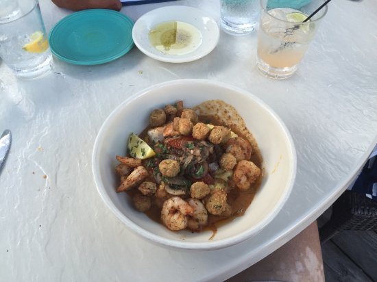 Beaufort, NC: Shrimp and grits