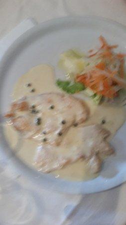 La Pilotta: chicken breast in green peppered sauce, the favorite. 14 euros