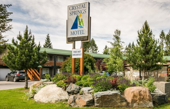 Crystal Springs Motel: Front
