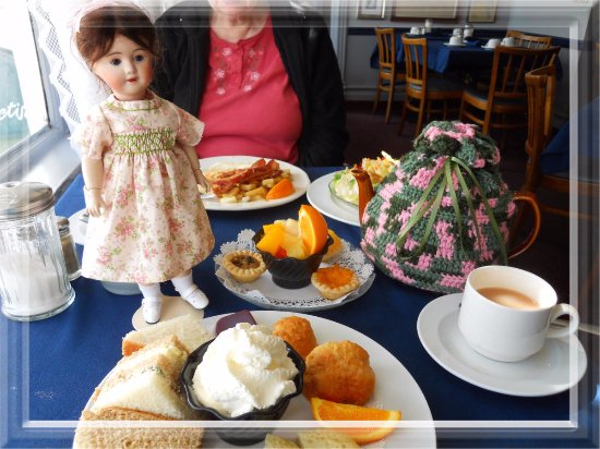 James Bay Tea Room and Restaurant: Photo taken in April 2011. Yummy....