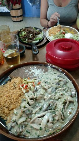 Grand Coulee, WA: Steak fajitas and pollo cilantro, UN mas!!