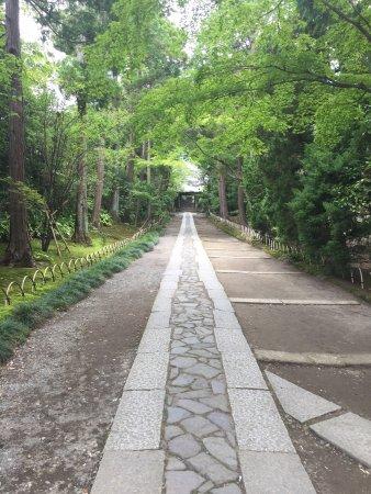 Jufukuji Temple: 風情のある参道