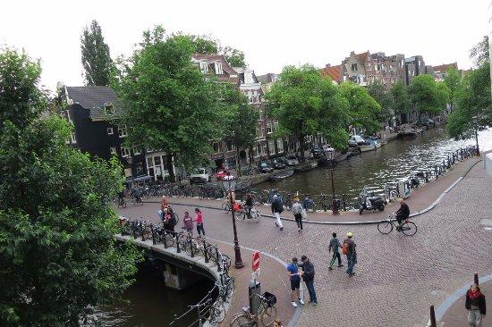 Amsterdam Wiechmann Hotel: Vue vers la droite