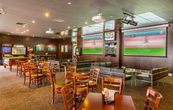 Sports bar picture of chelsea heights hotel melbourne tripadvisor chelsea heights hotel sports bar watchthetrailerfo