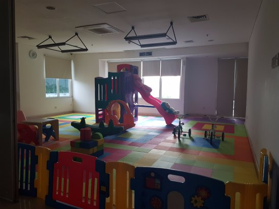 HARRIS Suites FX Sudirman: Playground