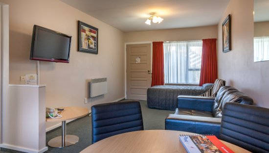 Christchurch Motel : 1 bedroom lounge area