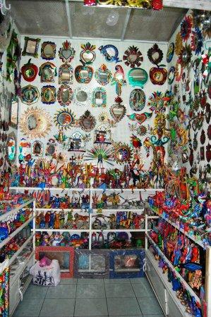 Mercado De Artesanías De Oaxaca Alebrijes Y Artesanias En Latón