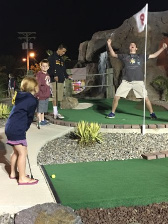 Island Miniature Golf : photo0.jpg