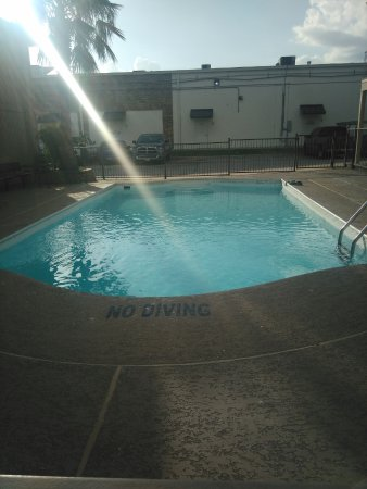 EZ Travel Inn: Pool was fine