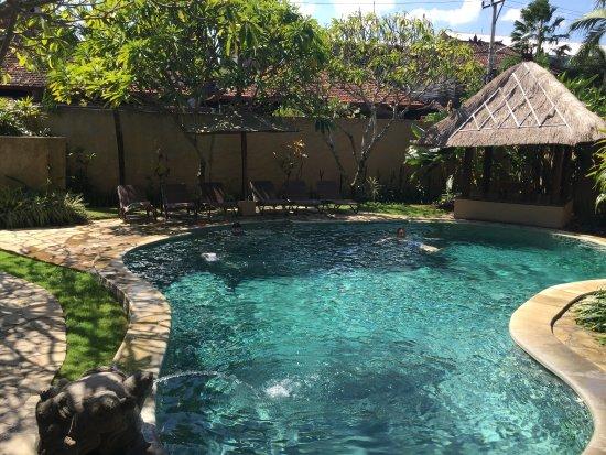 Mutiara Bali Boutique Resort & Villas: 4 bedroom villa pool area