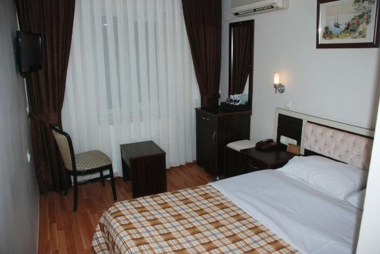 Grand Mark Hotel: Single rooms double bed