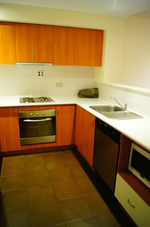 Ascot, Australia: Kitchen, with stove, oven, dishwasher, microwave