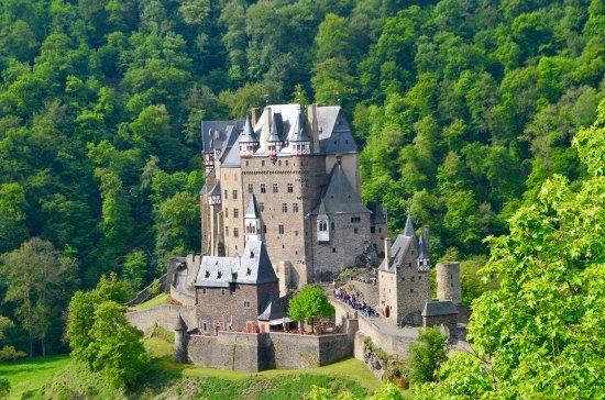 how to go to burg eltz from frankfurt