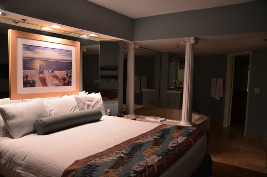 Master Bedroom Jacuzzi Designs 2 bedrooms condo - master bedroom with odl jacuzzi - picture of