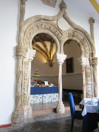 Pousada Convento de Evora: Frühstücksbuffet im Kreuzgang