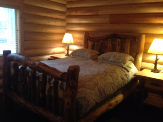 The Pines at Island Park: First double room on the ground fllor