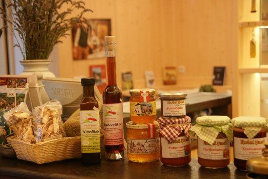 Kirchschlag, Austria: Hausgemachtes/Köstliches aus der Buckligen Welt