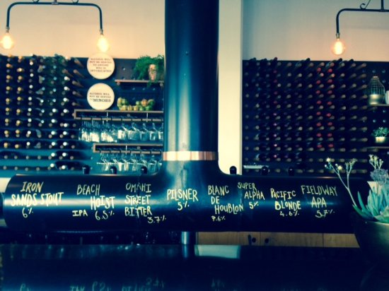 Waikanae, Selandia Baru: Rotating taps, showcasing North End beers straight from the source.