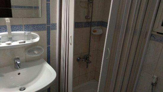 Al Hayat Hotel Apartments: IMG_20160622_014318_large.jpg