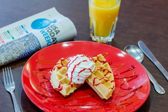 Hampton Inn Rochester: Free hot breakfast