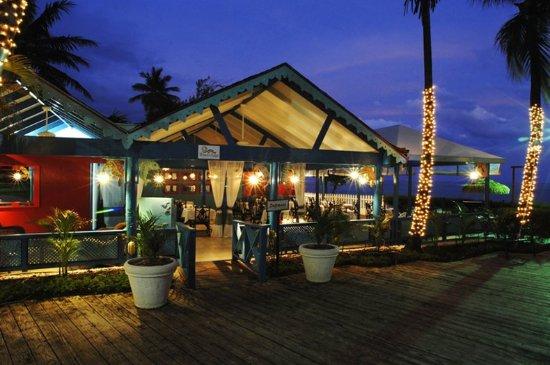Bougainvillea Beach Resort: Waters Edge