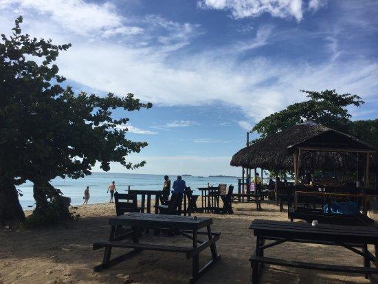 Sunrise Club: La spiaggia convenzionata