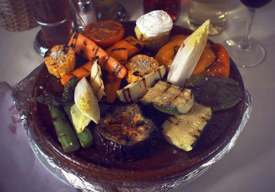 Castellfollit del Boix, España: Verduras a la brasa de Cal Frare