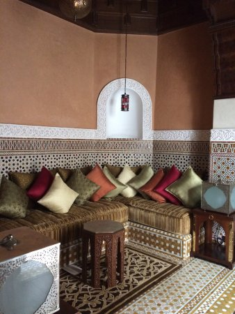 Royal Mansour Marrakech: One of the seating areas in the riad