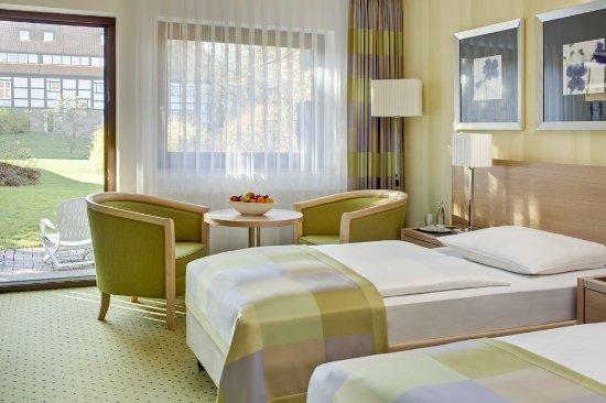 Maritim Hotel Schnitterhof: Zimmer mit Balkon zur Parkseite