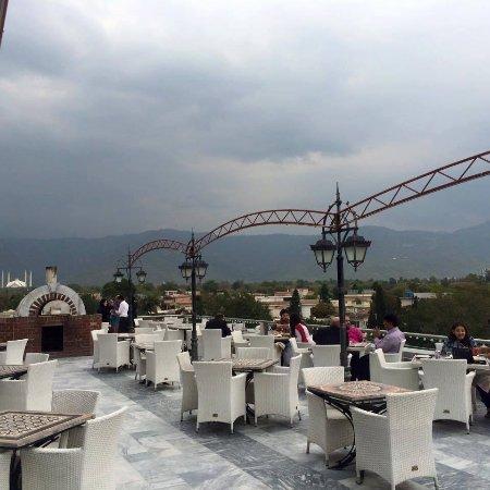 Foto di islamabad capital territory immagini di for Balcony restaurant menu